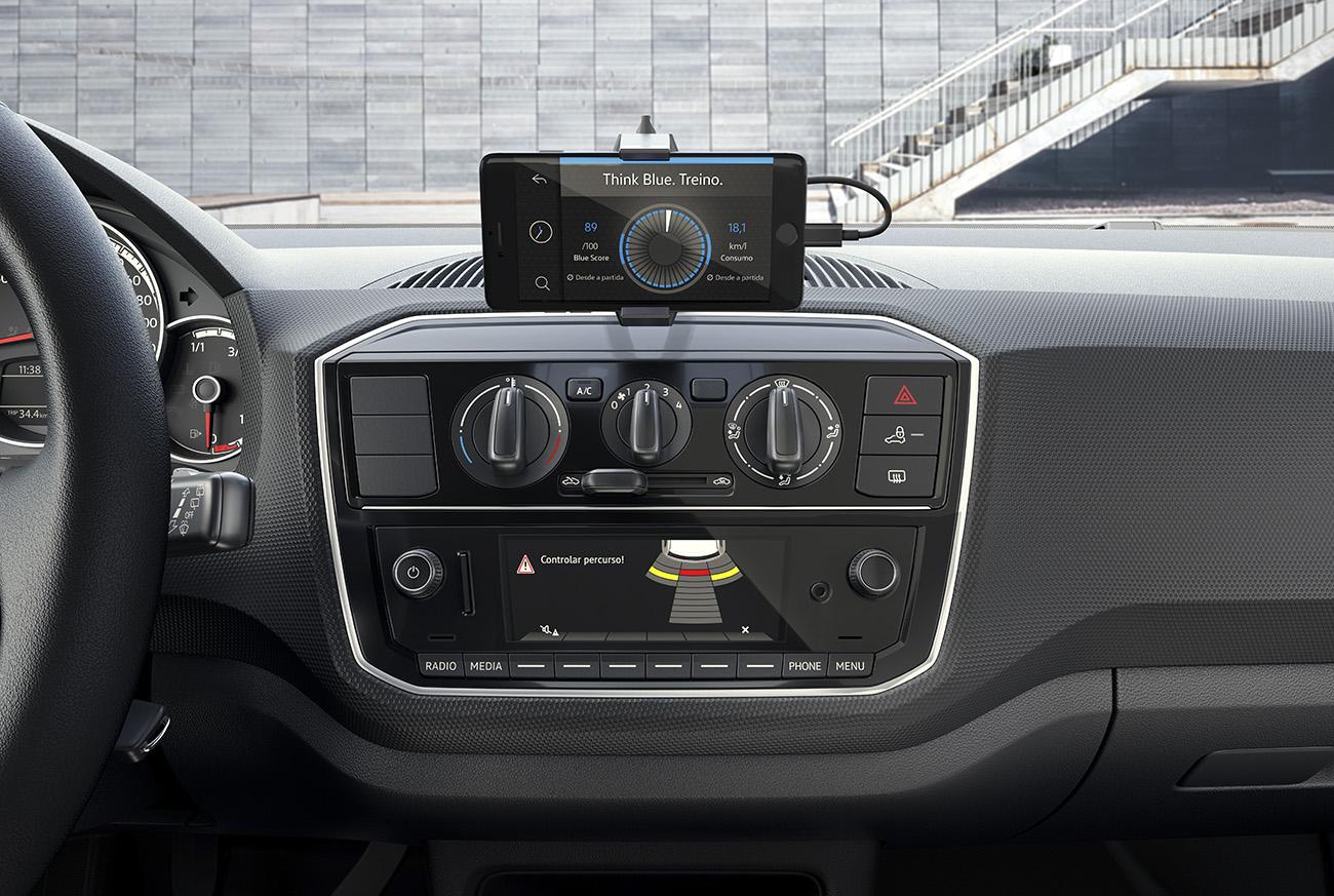 Central multimídia Composition Phone tem tela de 5 polegadas e funciona integrada ao celular