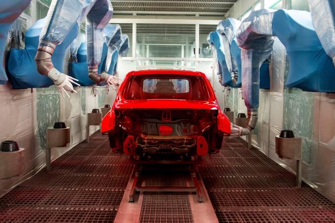 Cabine de pintura da fábrica da Jeep em Goiana