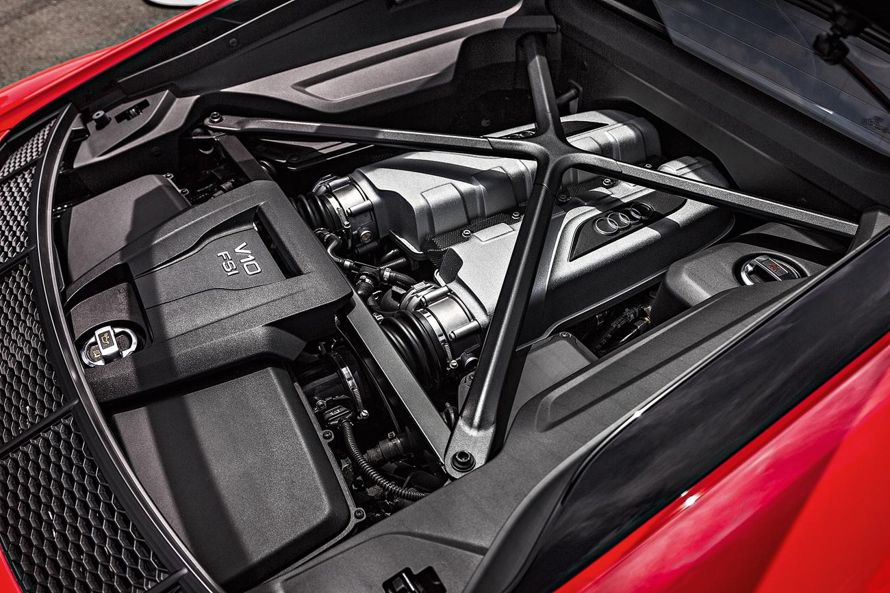Motor V10 5.2 traseiro central: admire sem moderação