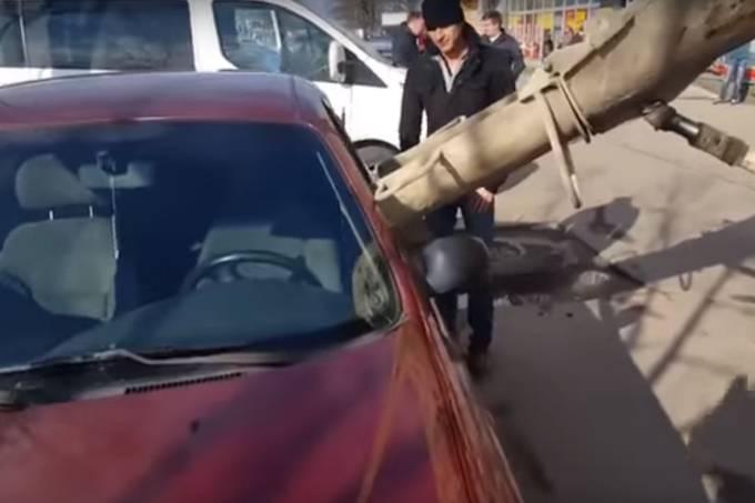 Carro lotado de concreto na Rússia