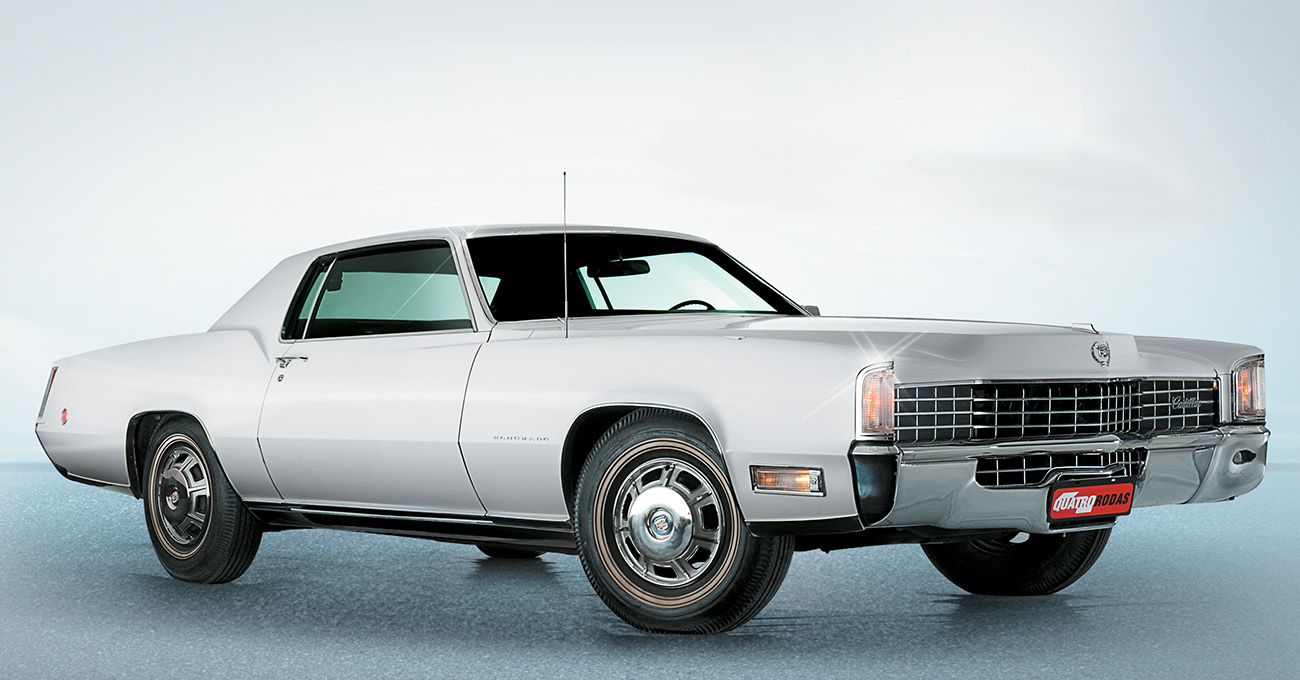 O motor V8 de 7,7 litros podia levar suas 2,2 toneladas a 201 km/h