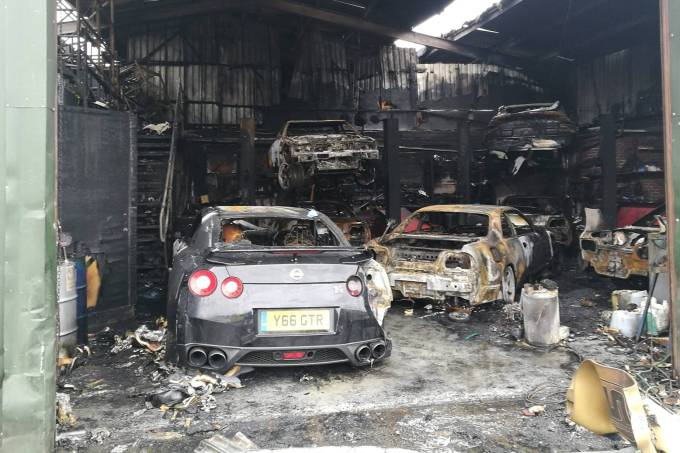 Incêndio GT-R 1