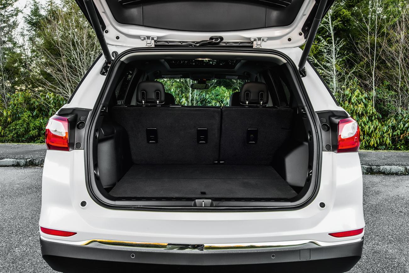 Porta-malas tem capacidade para 847 litros
