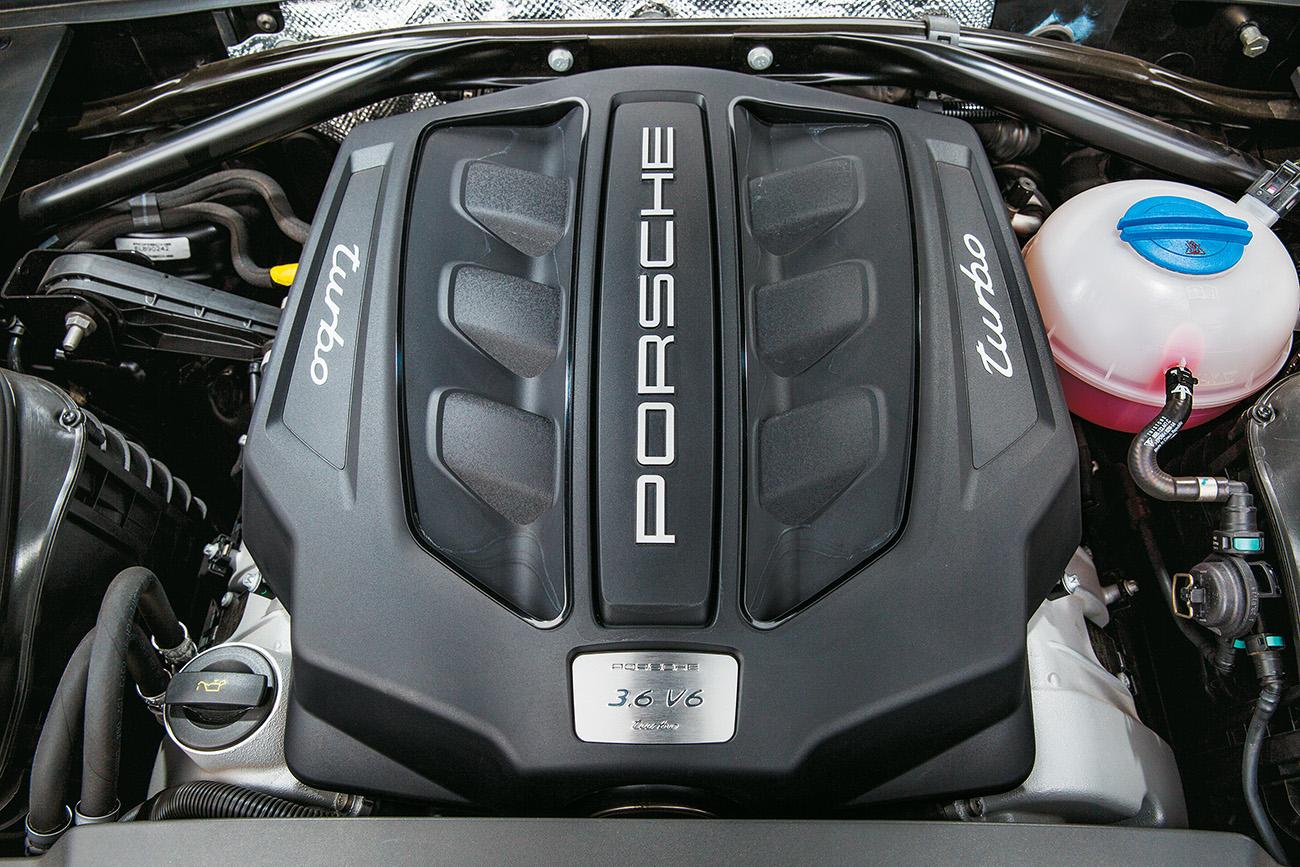 Motor V6 3.6 gera 400 cv e 56,1 mkgf