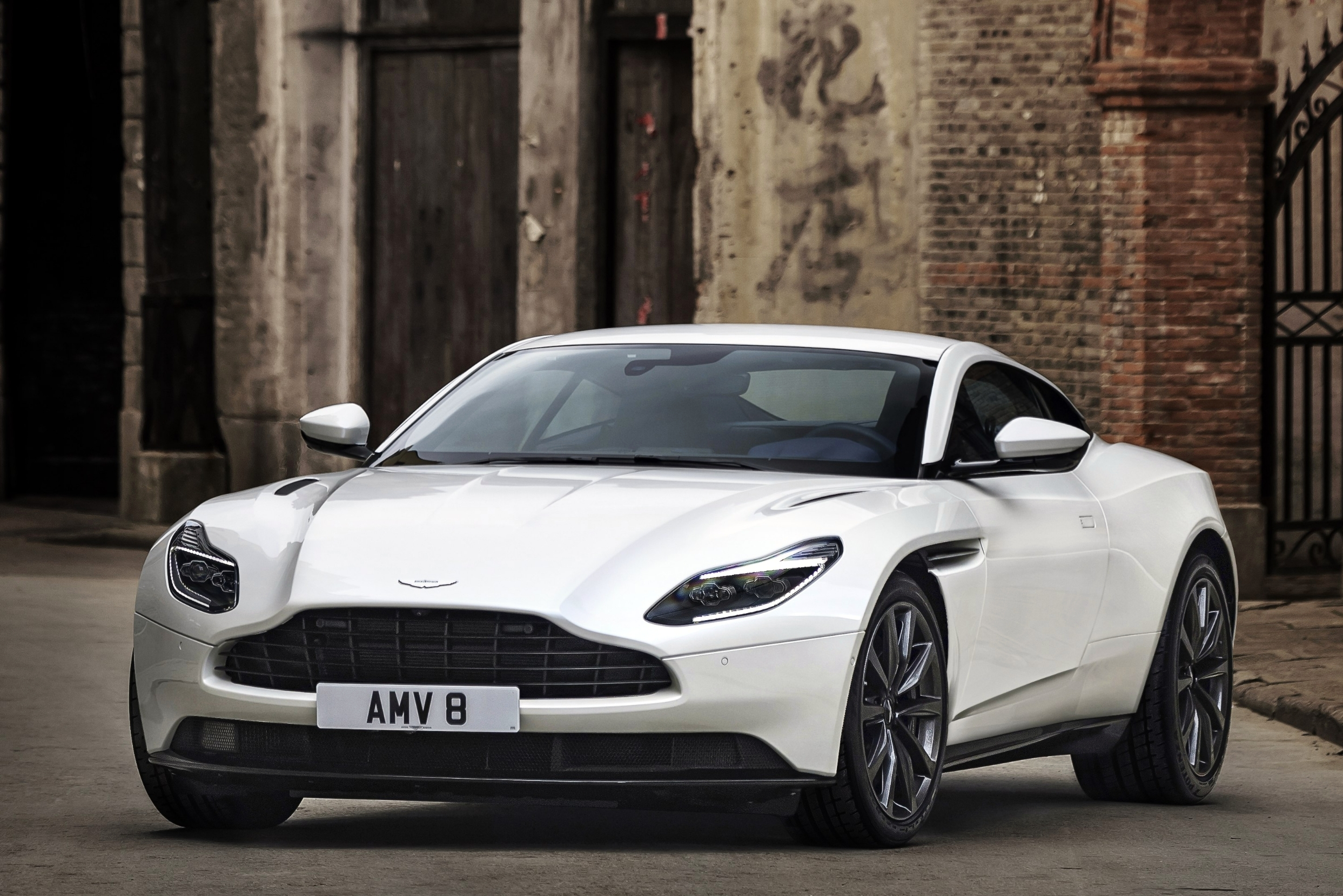 Aston Martin Db11 Ganha Motor V8 Biturbo Da Amg Quatro Rodas