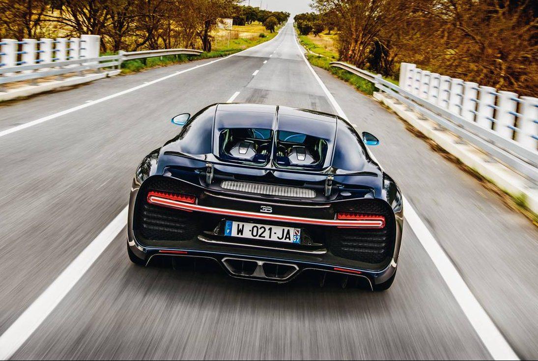 A asa traseira variável pode alterar o Cx do carro entre 0,35 e 0,59