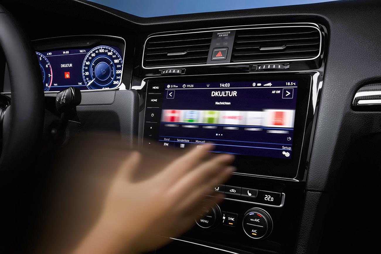 A central multimídia Discover Pro (9,2 polegadas) responde a gestos das mãos