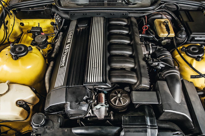 O motor S50 acelera de 0 a 100 km/h em 5,4 segundos