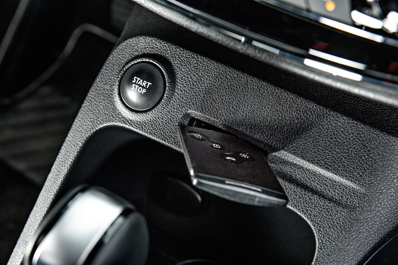 Botões de piloto automático e função Eco ficam em posição ruim