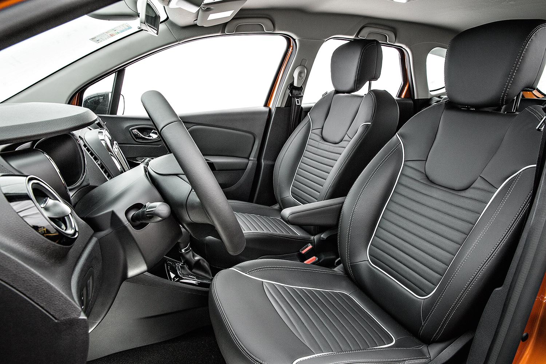 O interior aproveita várias peças de modelos mais baratos da Renault, como Sandero e Duster