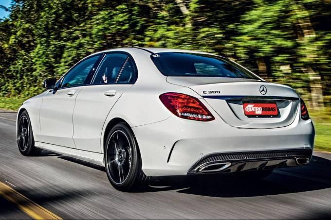 Mercedes-C300-2