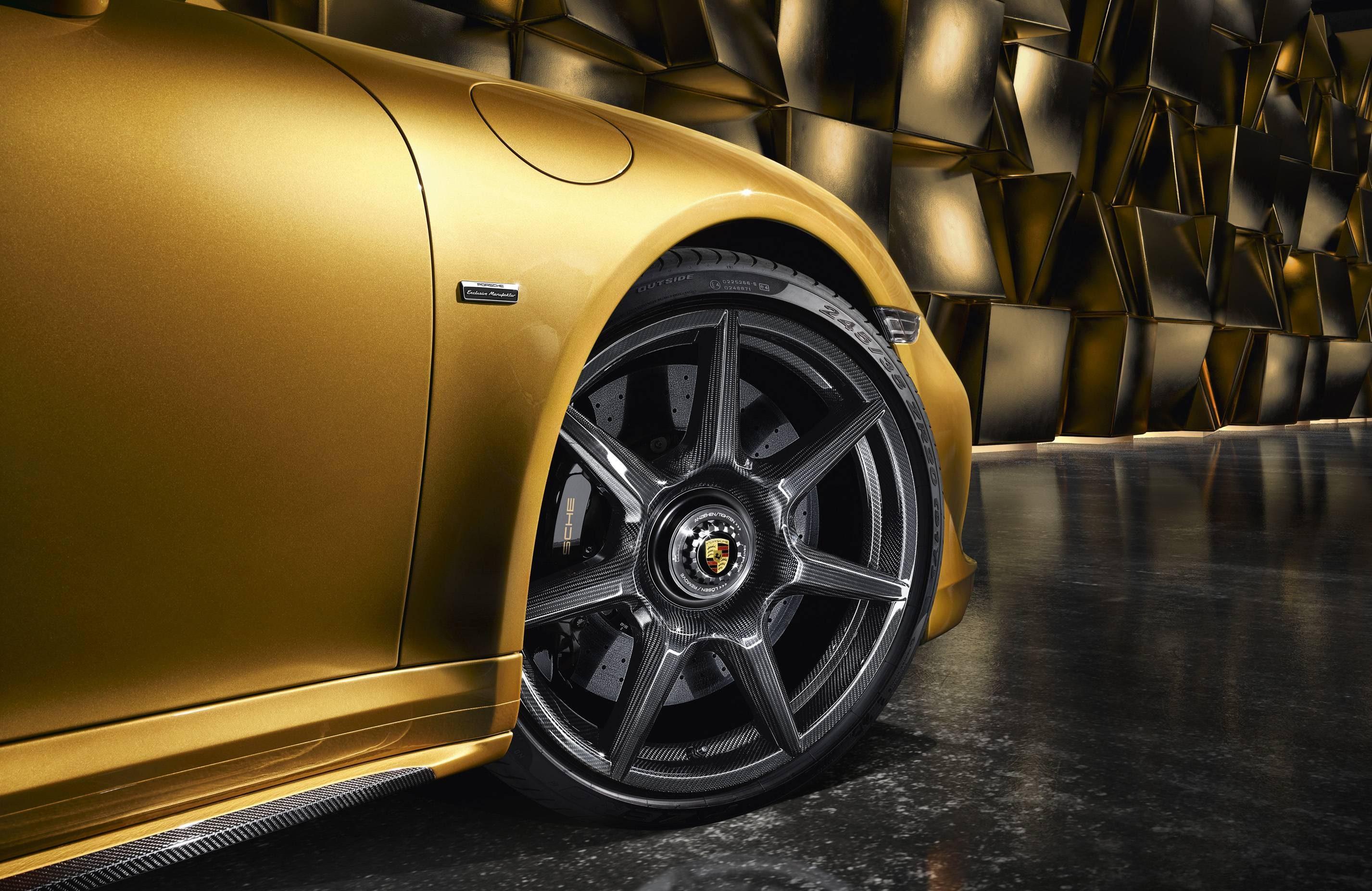 Rodas de fibra de carbono do Porsche 911 Turbo Exclusive Series