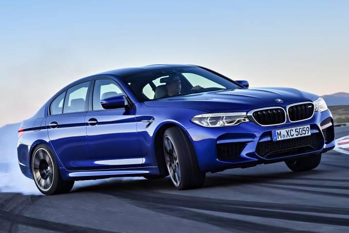 BMW M5 Derrapando