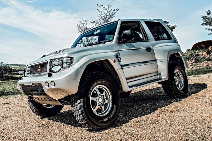 Pajero Evolution 1