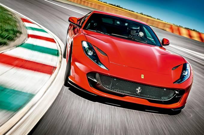Impressões: Ferrari 812 Superfast