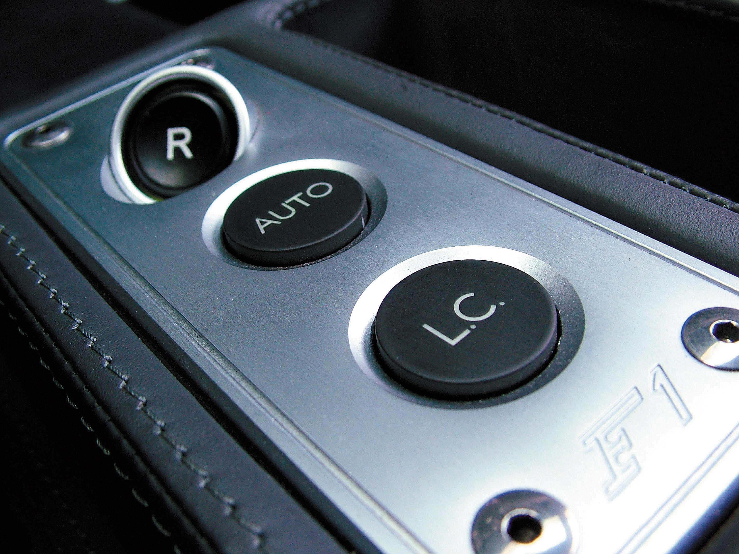 """Botão """"LC"""" identifica o controle de largada"""
