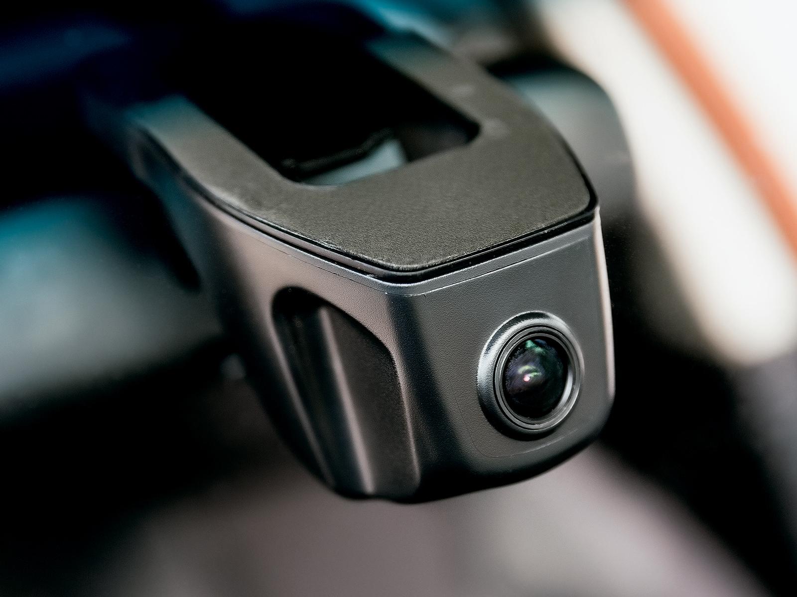 Câmera frontal é item de série na versão topo de linha