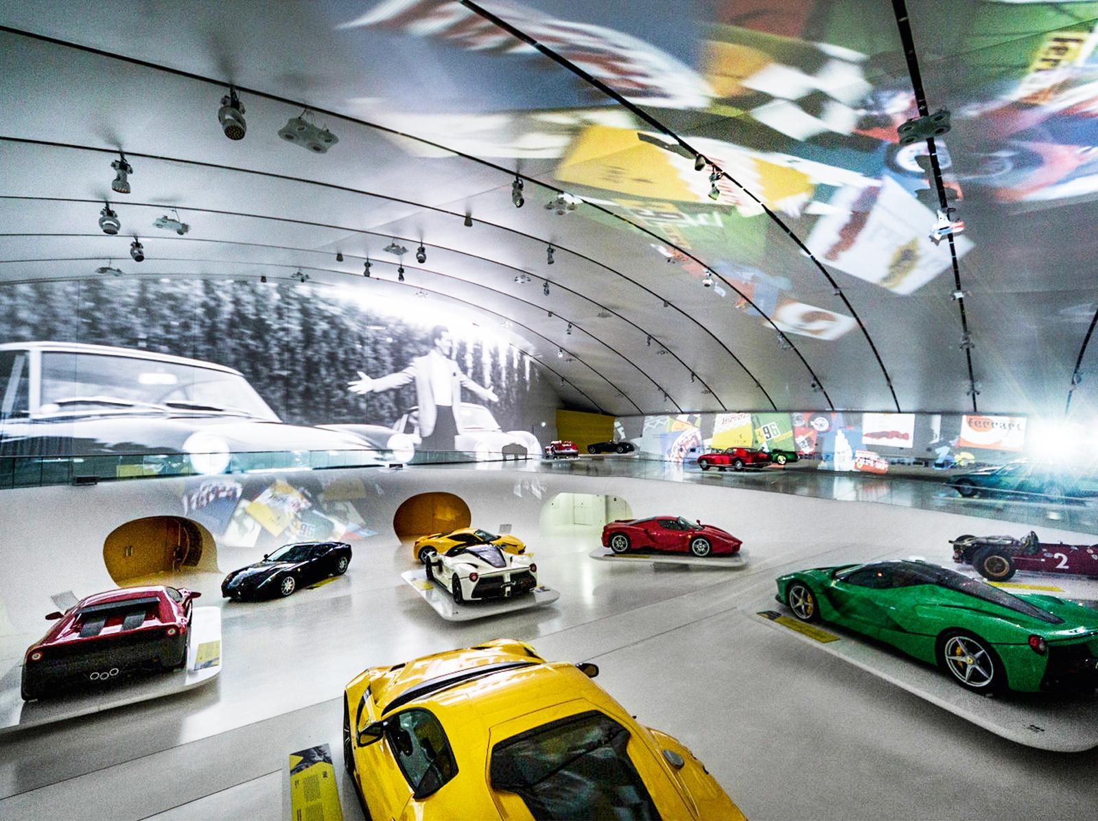 O projeto do museu futurista é do renomado arquiteto tcheco Jan Kaplicky