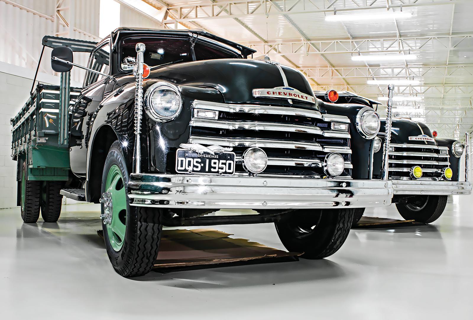 O modelo Chevrolet 1950, que foi do pai, está desde zero-km na família