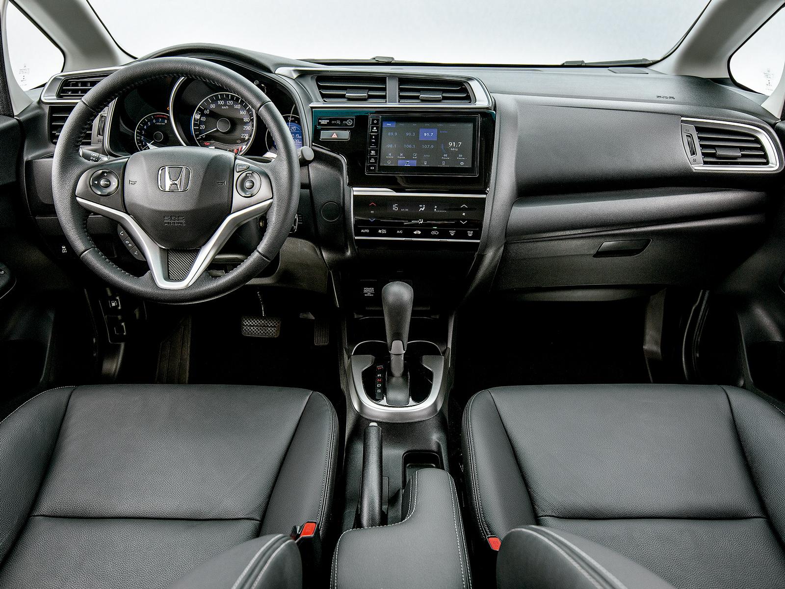 Multimídia, ar digital e ESP: dívidas antigas do Honda Fit