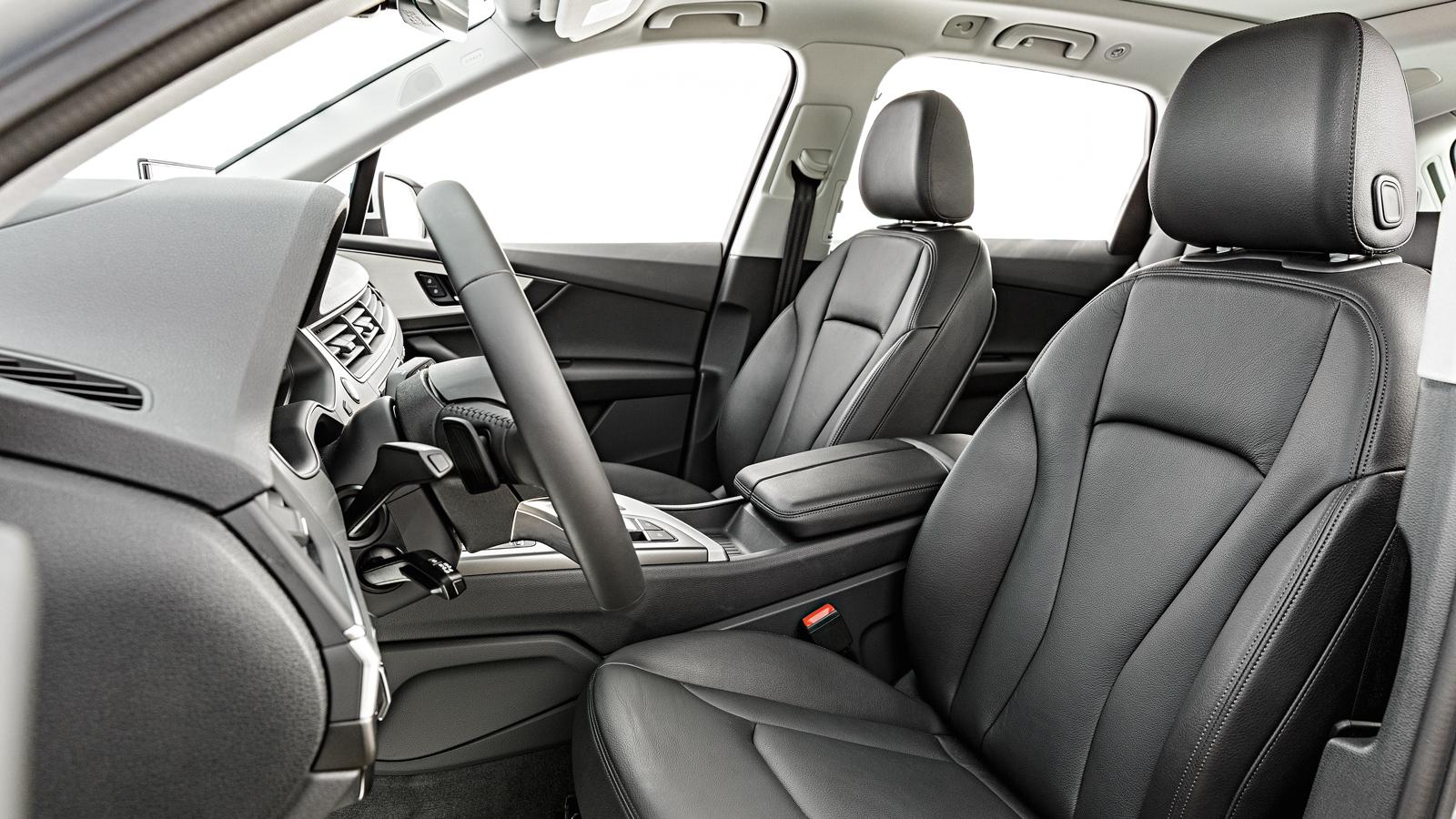 No Audi o couro está apenas nos bancos e em partes onde os ocupantes encostam