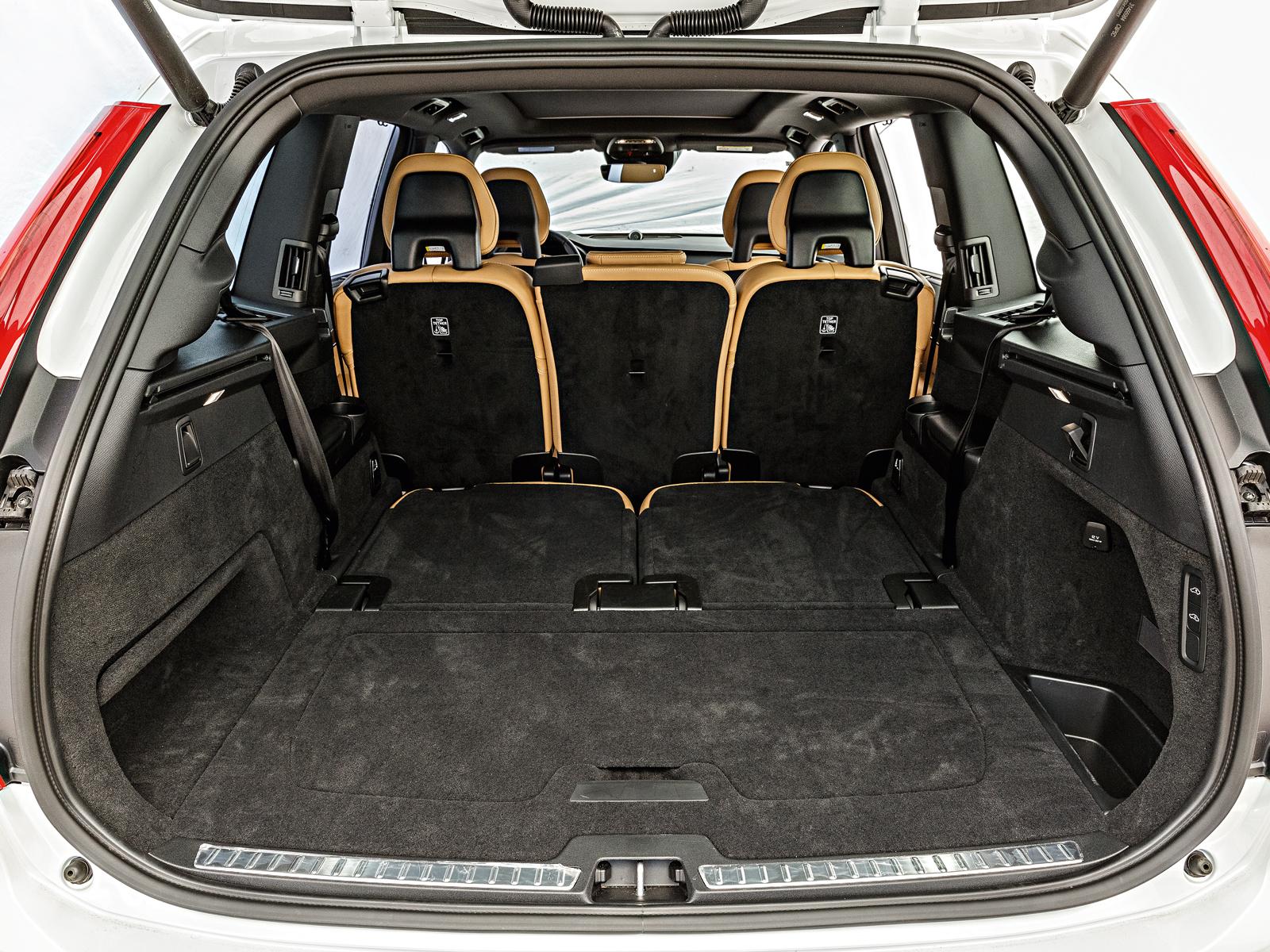 Porta-mala do Volvo tem 1071 litros com configuração 5 lugares
