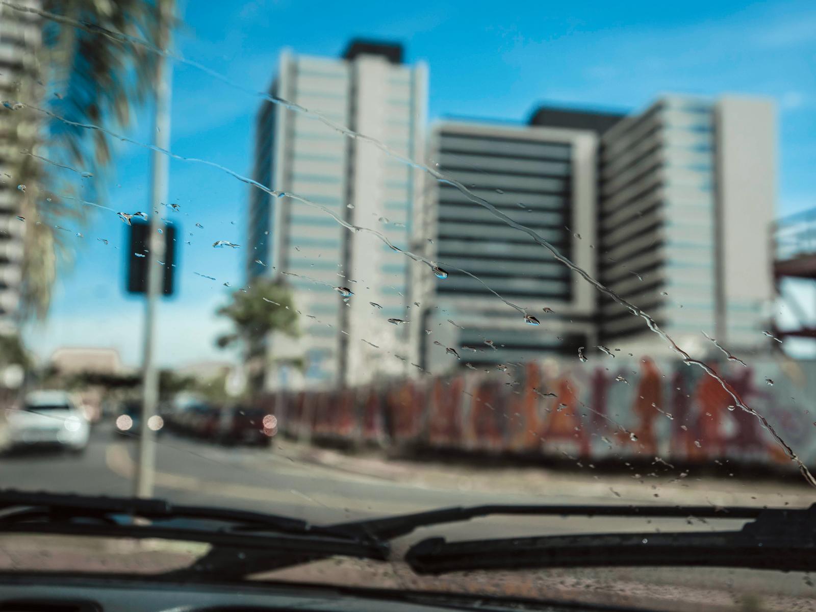 Antes, as palhetas ressecadas deixavam marcas de água no vidro