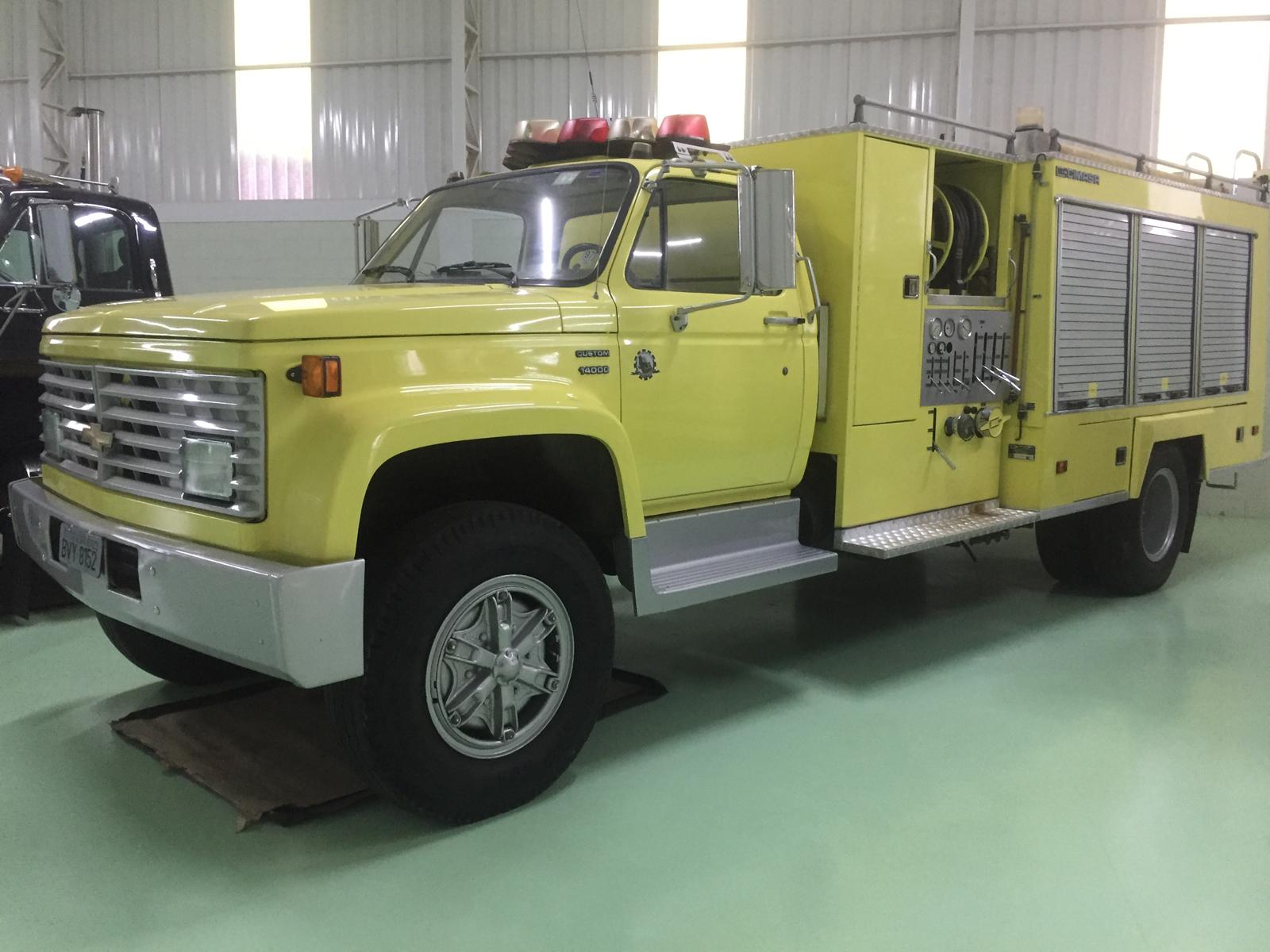 O caminhão de bombeiro era da General Motors e foi comprado em ótimo estado de funcionamento