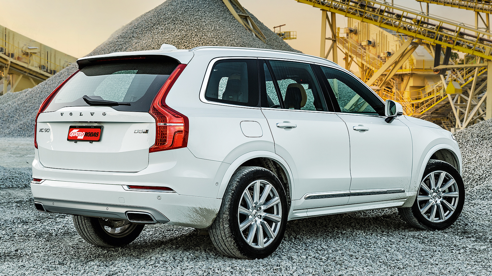 Menor, o Volvo leva a melhor no trânsito
