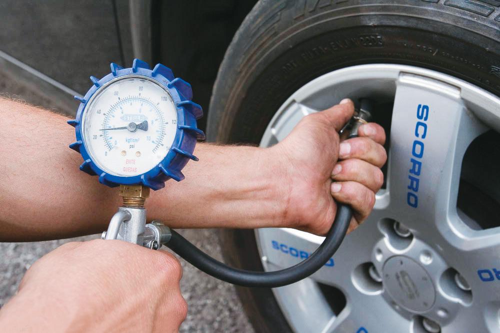 Renault Mégane - pneus com pressão baixa