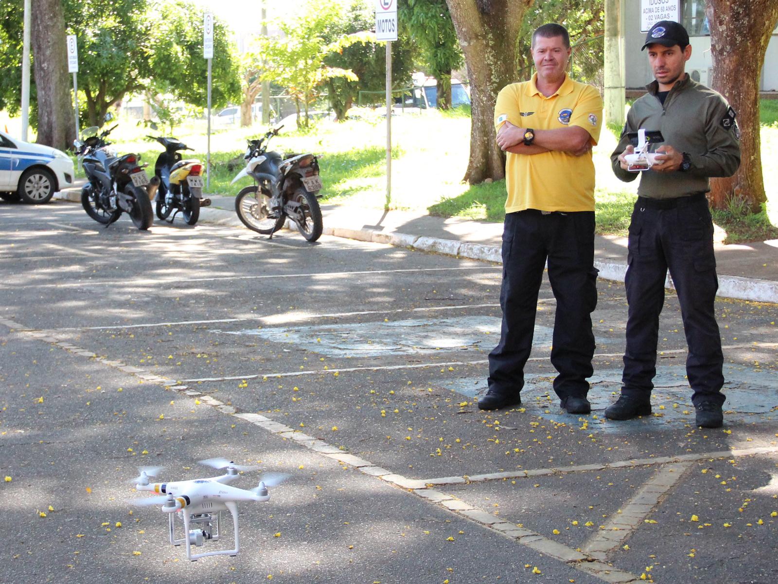 Agentes do Detran começam a fiscalizar motoristas em Brasilia com drones