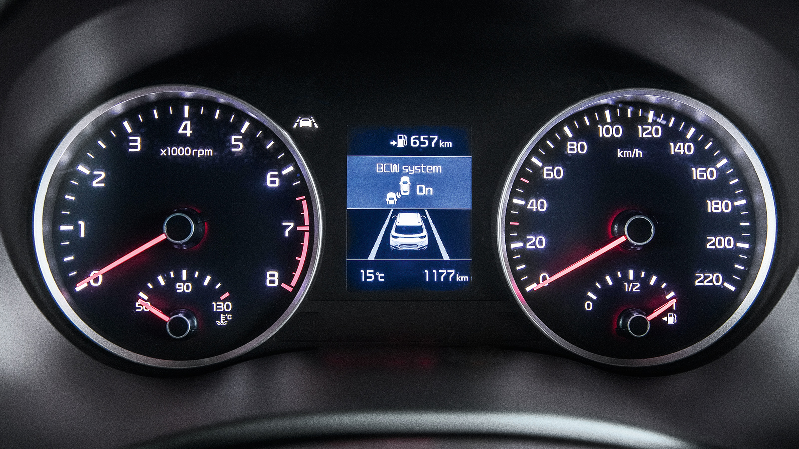 Segundo a fábrica, o SUV acelera de 0 a 100Km/h em 10,3 segundos