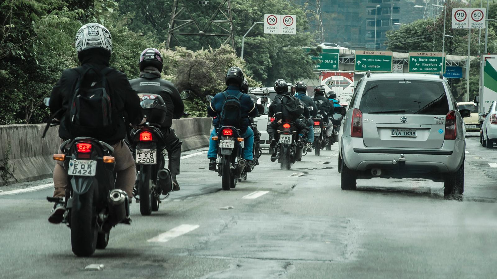 De acordo com o projeto, o fluxo entre os veículos só poderá acontecer se cumprir certas regras