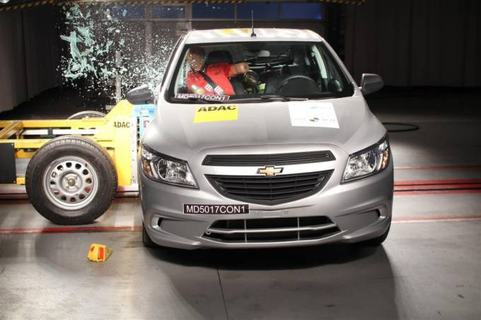 Crash-test Chevrolet Onix e Prisma 2018