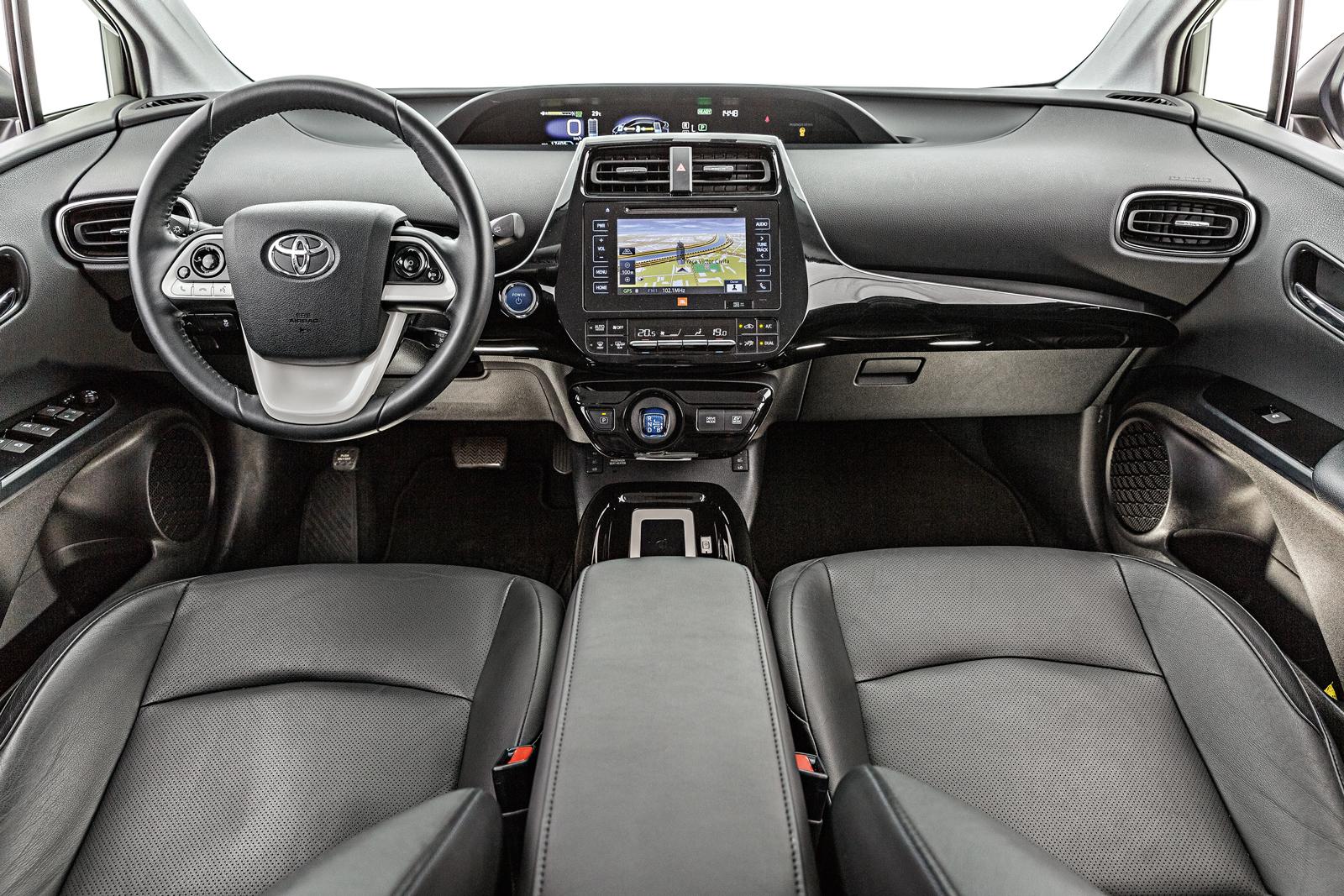 Cabine do Prius não disfarça a ousadia do lado de fora