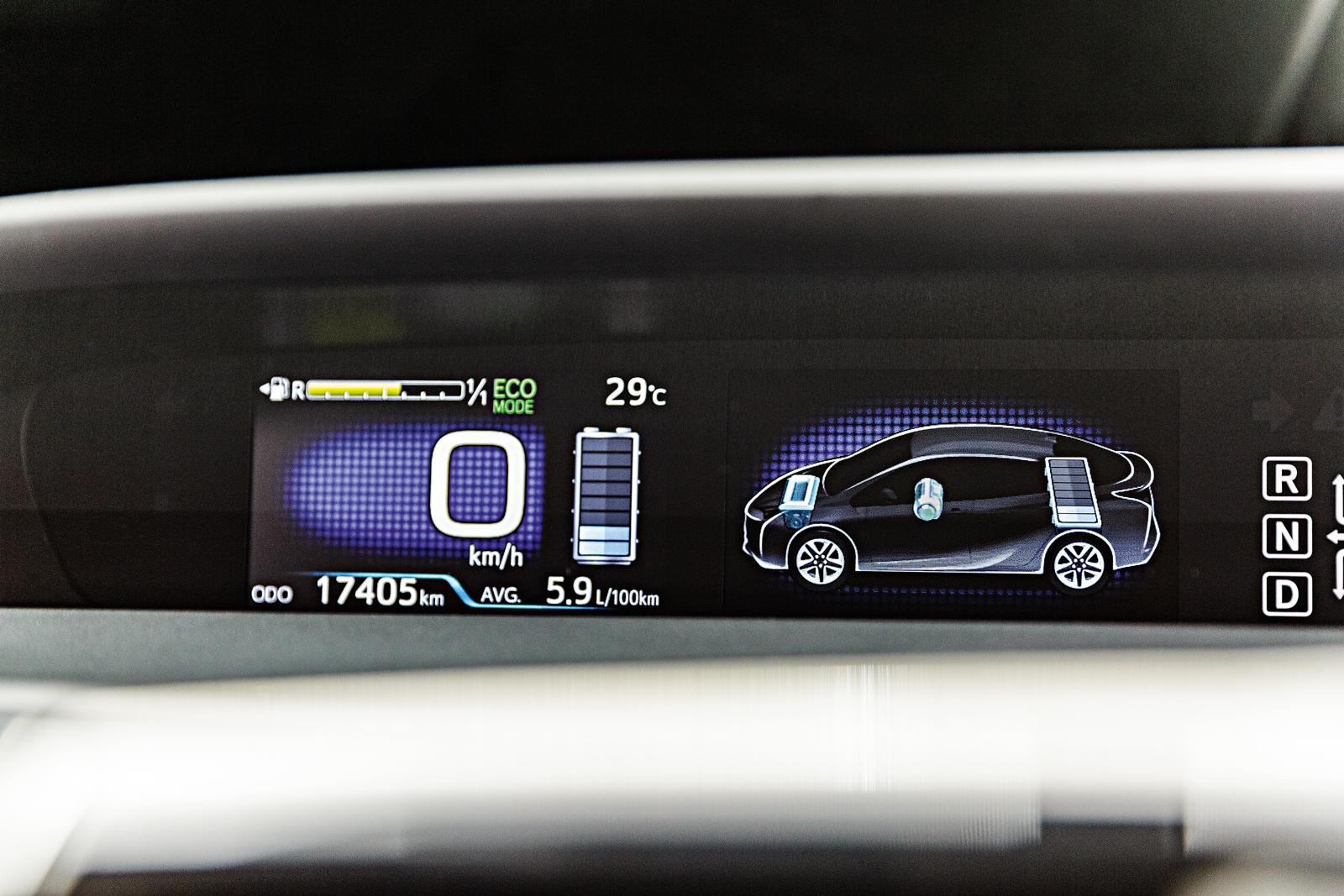 Painel do Prius mostra carga da bateria