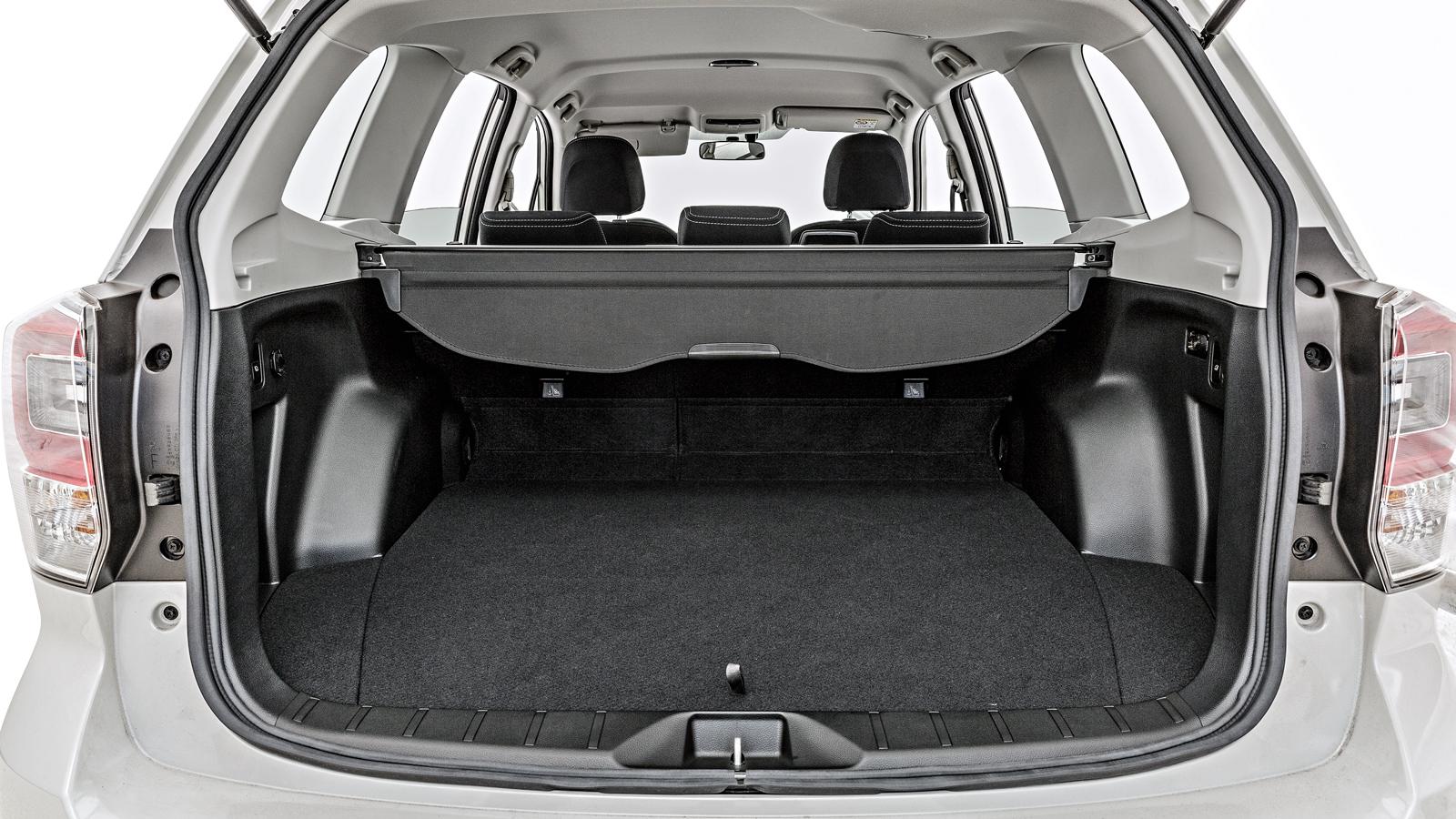 Porta-malas tem capacidade de 505 litros