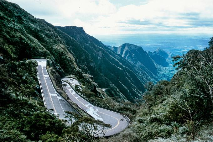 Estrada com curvas