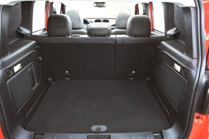 Porta-malas do Jeep Renegade