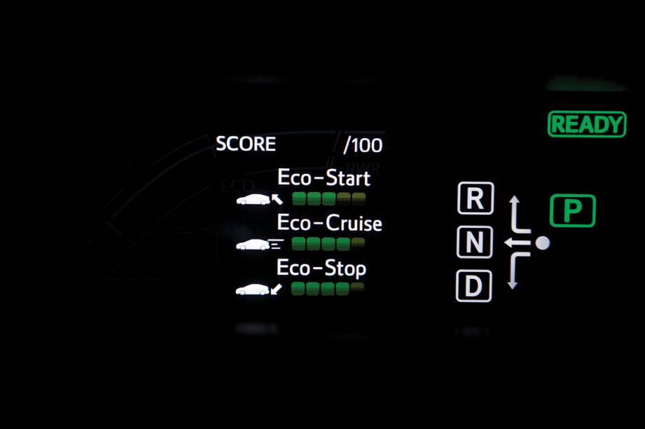 A cada vez que o Prius é desligado, o trecho que acabou de ser percorrido é ecoanalisado