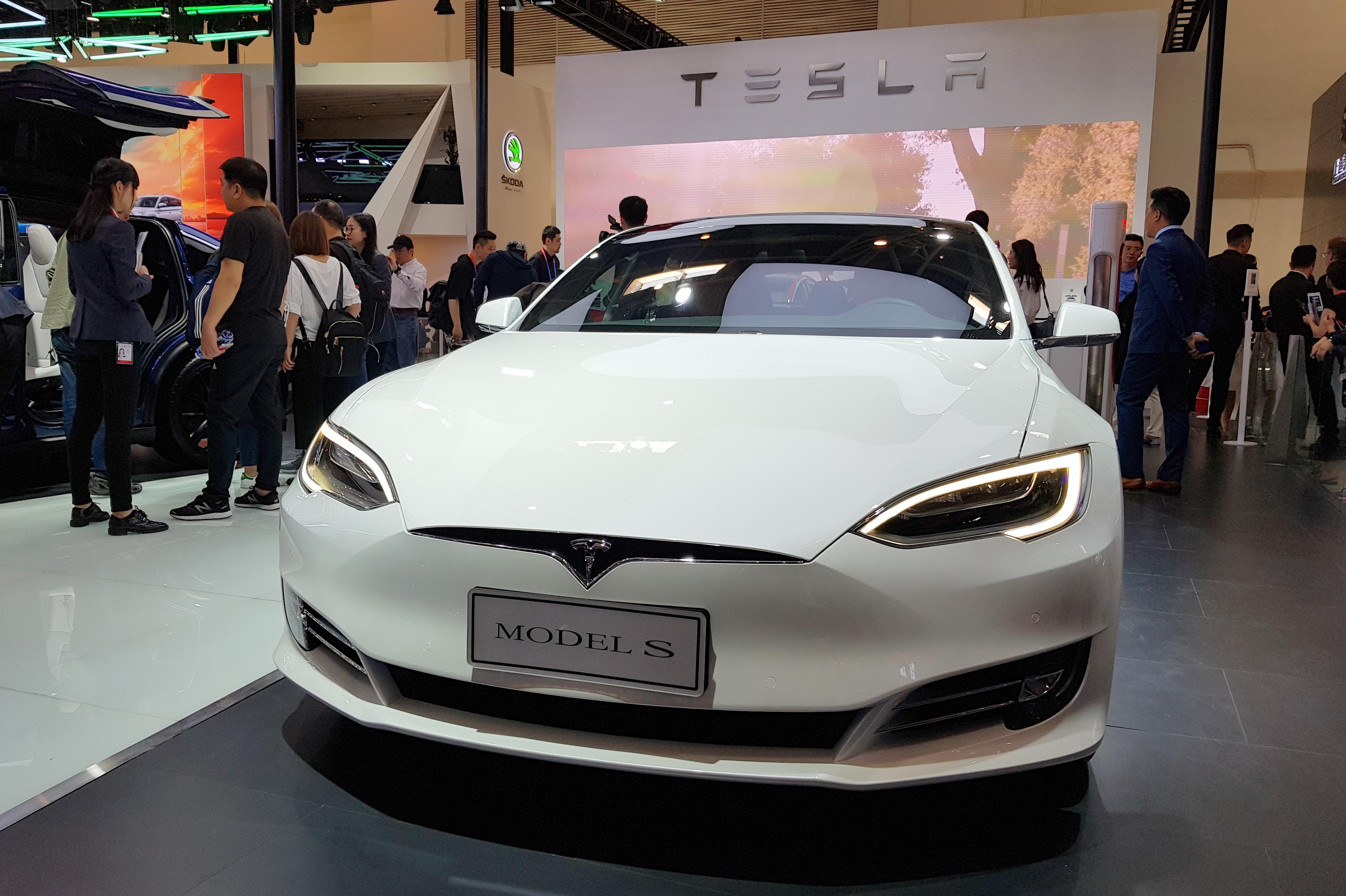 Stand Tesla