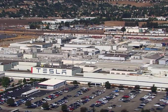 Fábrica Tesla Externa