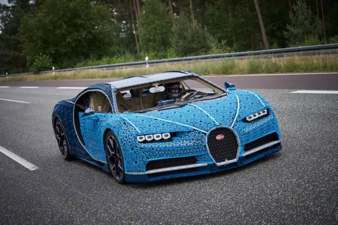 lego-bugatti-chrion-2018-862_0