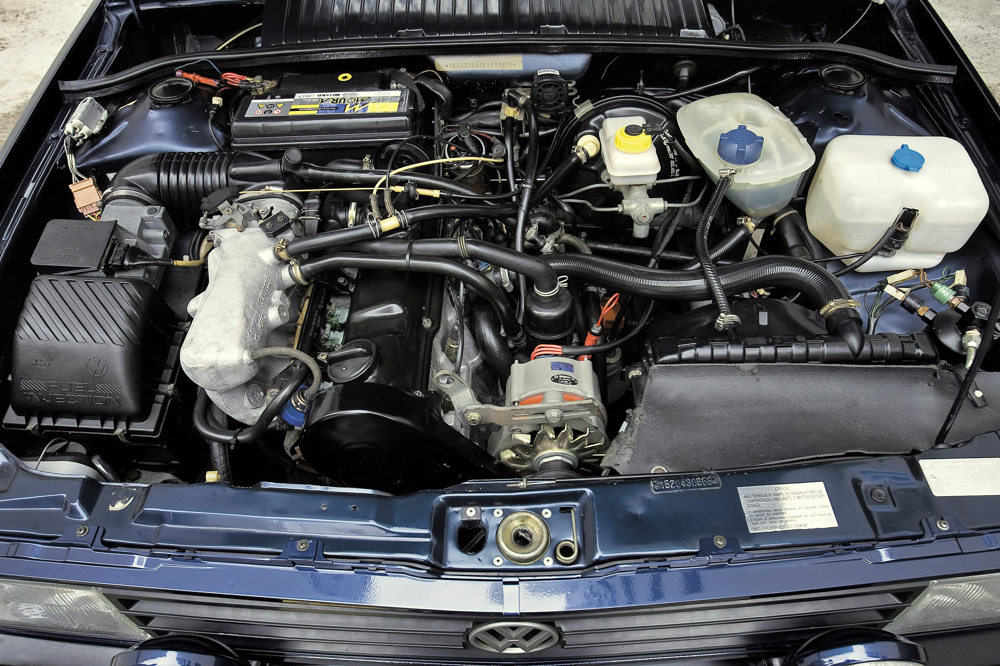 Com injeção, o motor 2.0 rendia 120 cv e compensava a aerodinâmica deficiente