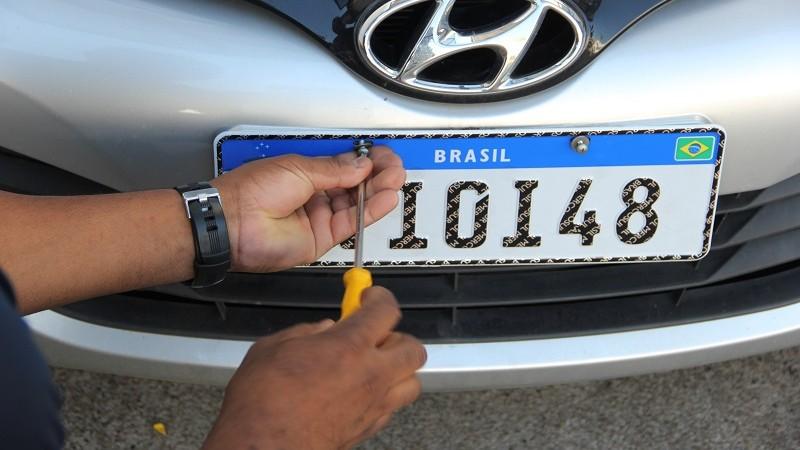 Placa do Mercosul: você provavelmente terá uma dessas em seu carro no futuro