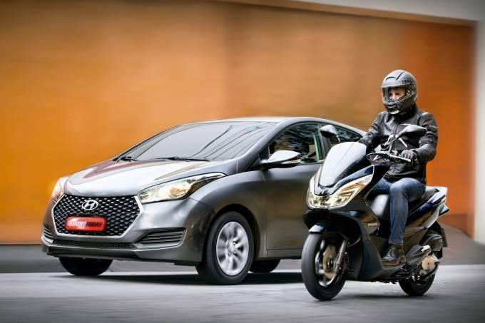 Automóvel e motocicleta da Honda.