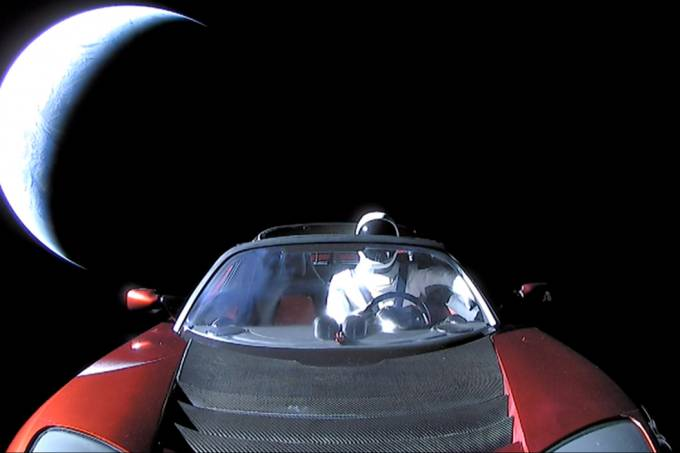 spacex-tesla-roadster-starman