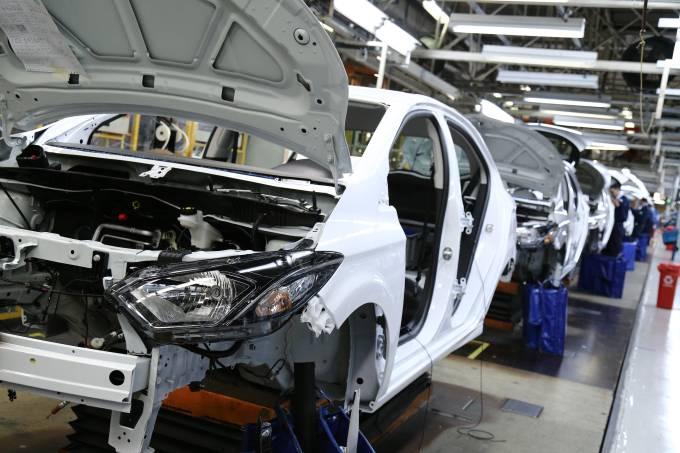 Fábrica da GM em Gravataí produz os modelos Onix e Prisma