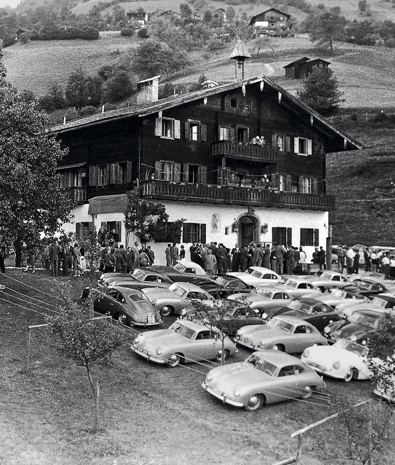 A casa dos Porsche em Zell am See tem mais de 600 anos e foi comprada em 1941. A casa de férias, e mais tarde se tornou um refúgio da Segunda Guerra Mundial