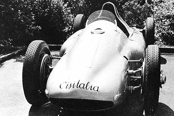 O Porsche Typ 360 Cisitalia, com motor central e tração integral, que nunca correu